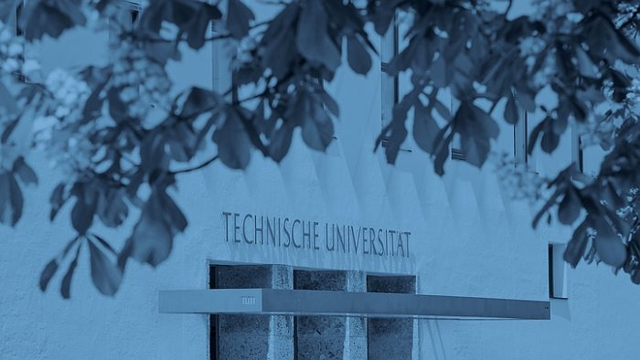 Entrance to TUM's main building in Munich